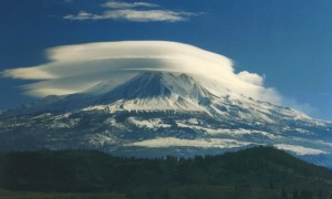 lenticular cloud mt shasta