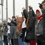 Putin Protesters Form Human Chain Enveloping Central Moscow