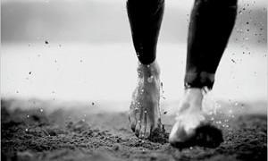 barefoot-running-small-300