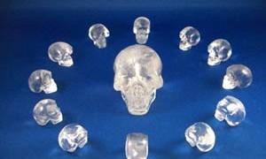 13-crystal-skulls-small-300