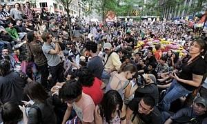 throngs of protestors